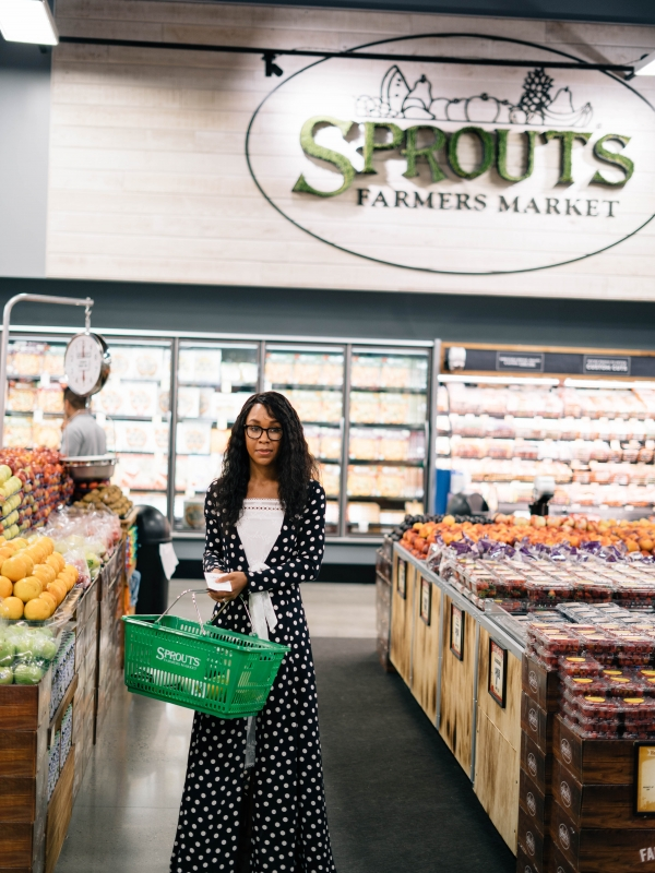 Shopping Organic with Sprouts Farmer's Market in Philadelphia