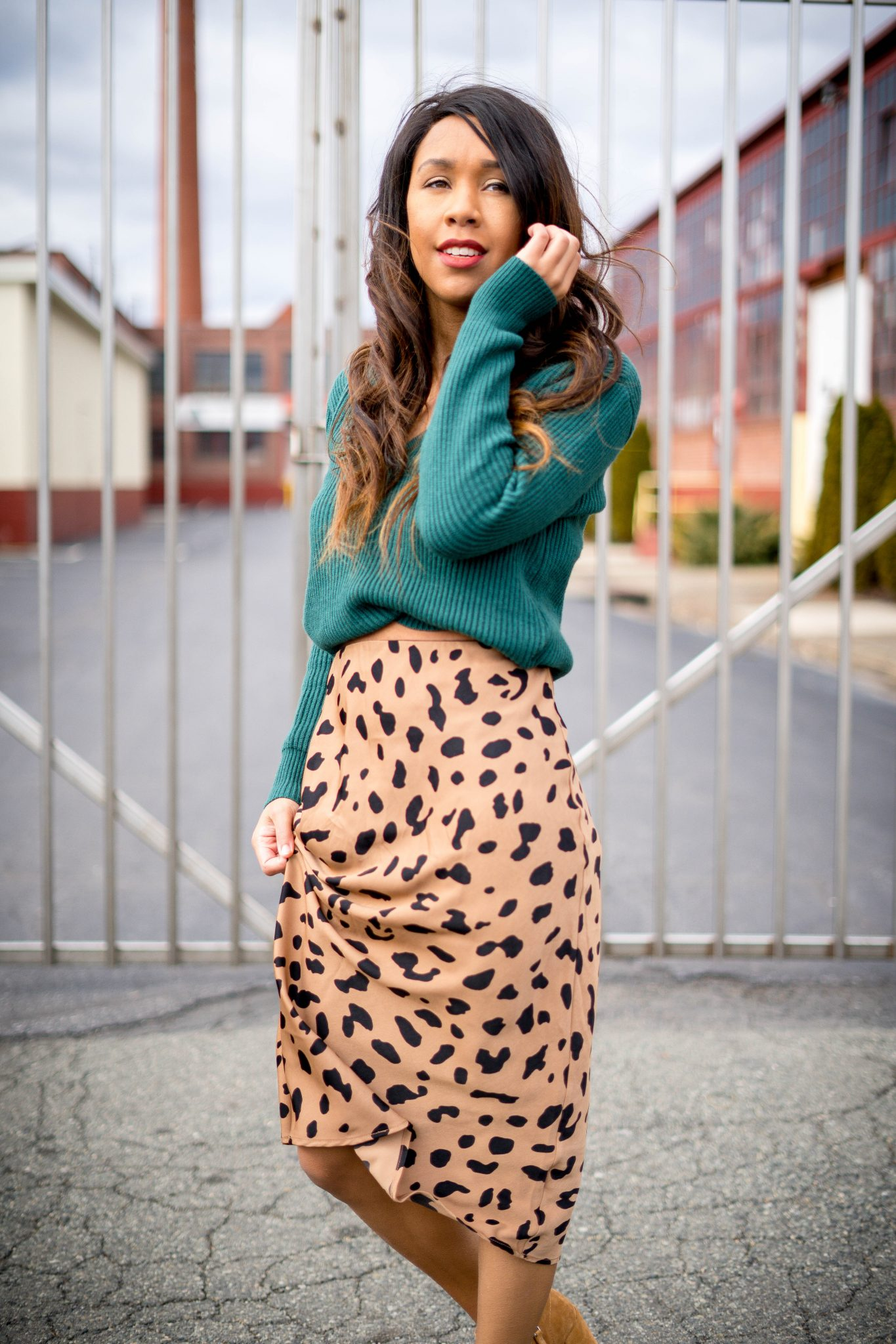 livinglesh how to look taller wearing a superdown raquel sweater