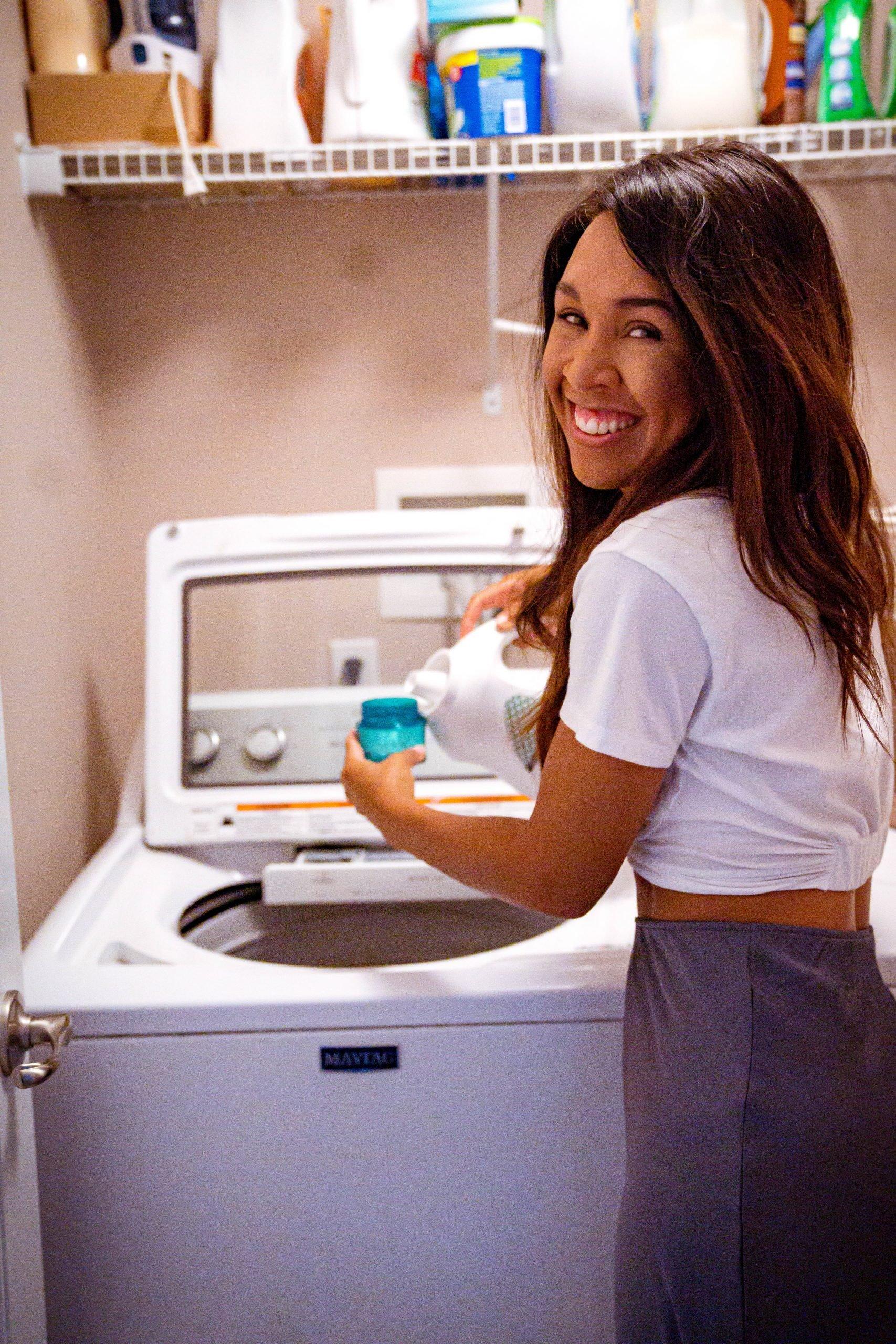 LivingLesh using washing laundry with ivory detergent