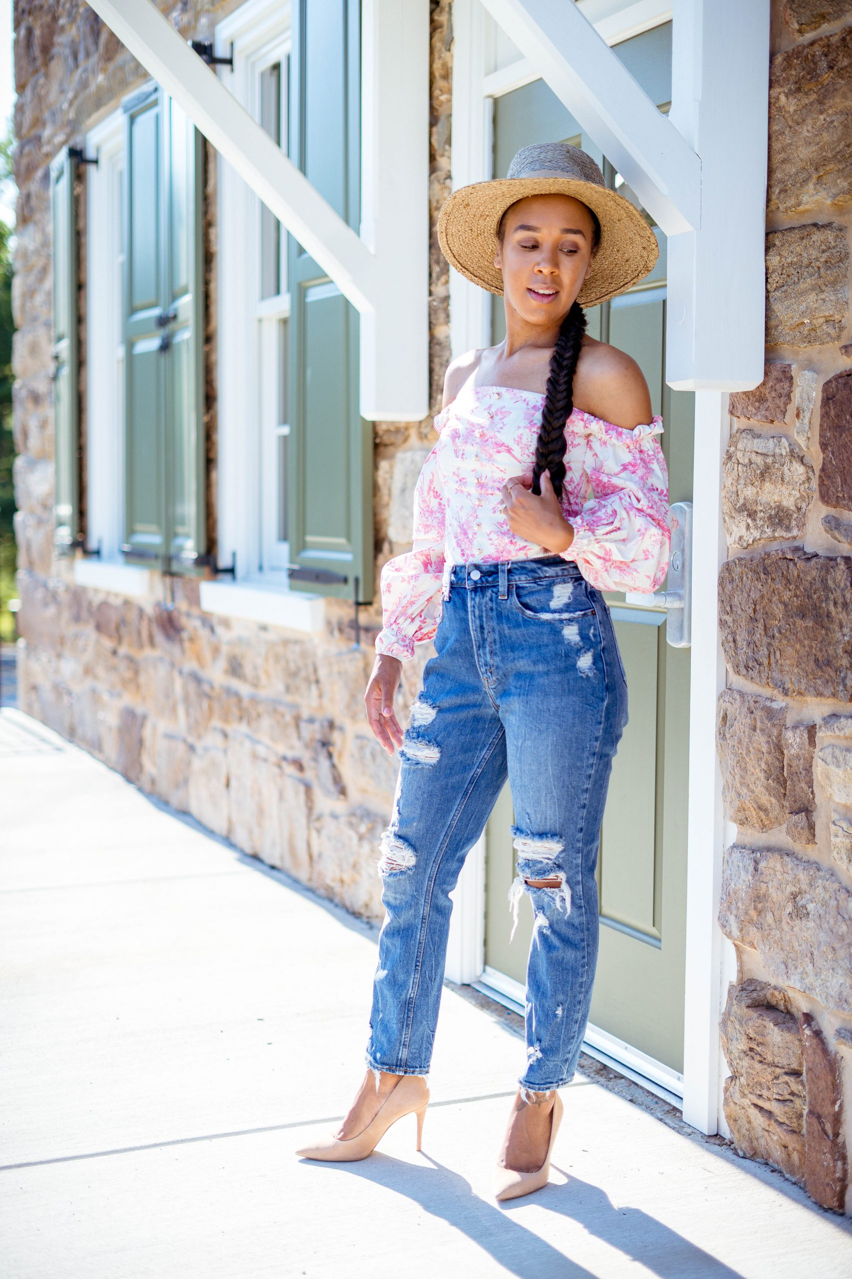 livinglesh sharing her favorite affordable online fashion boutiques