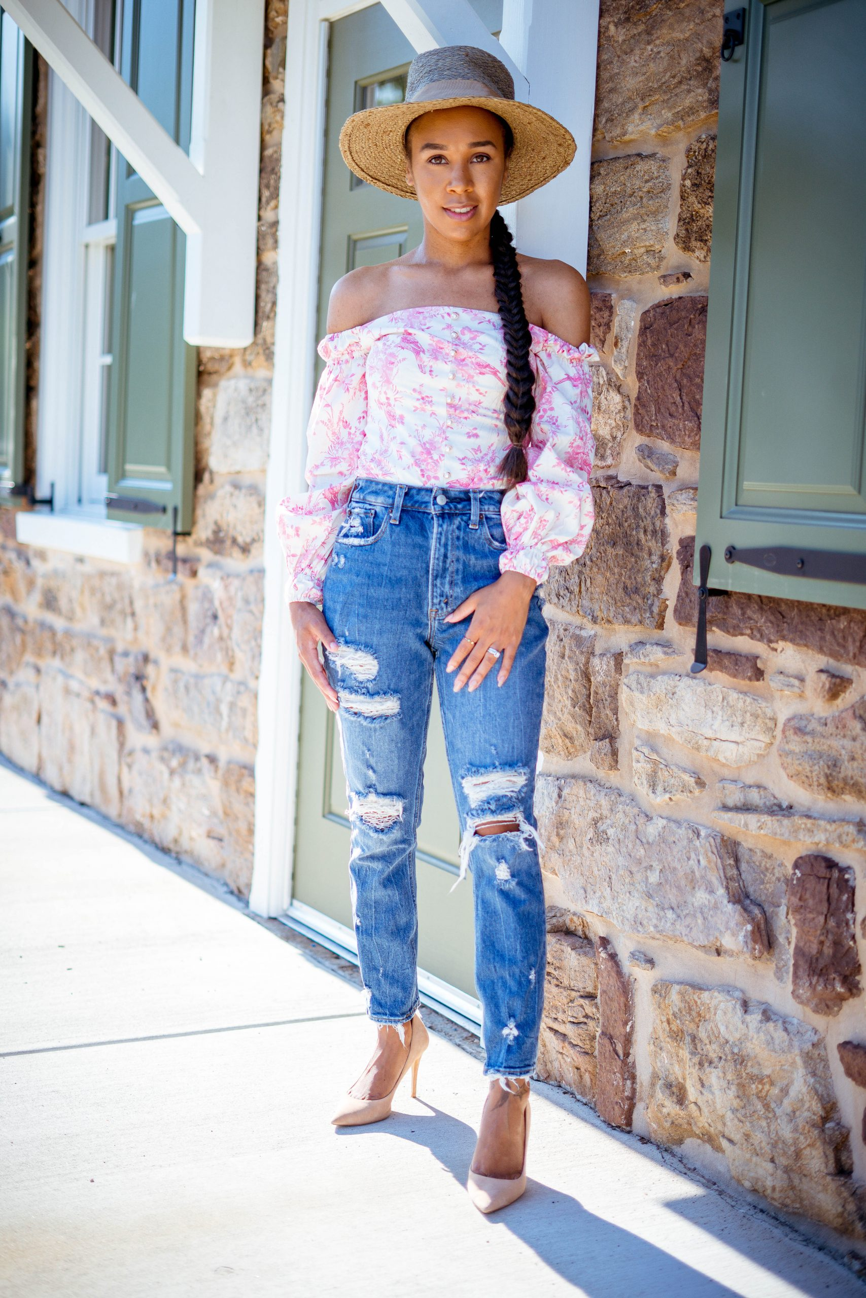 livinglesh wearing estell top talking about affordable online fashion boutiques