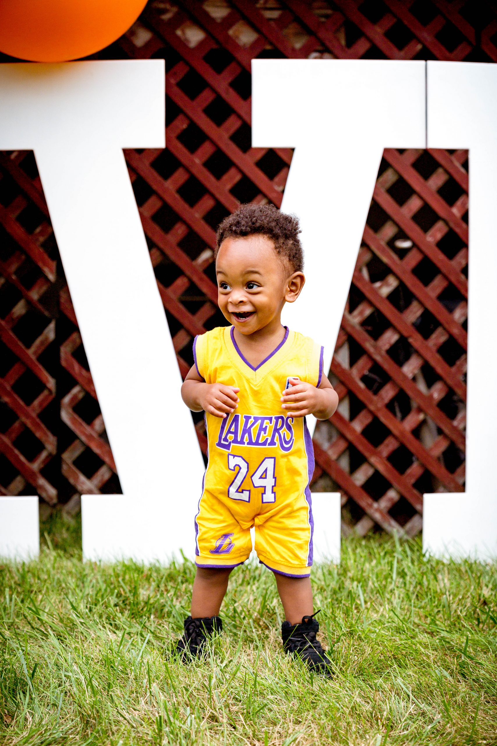 livinglesh baby lakers outfit