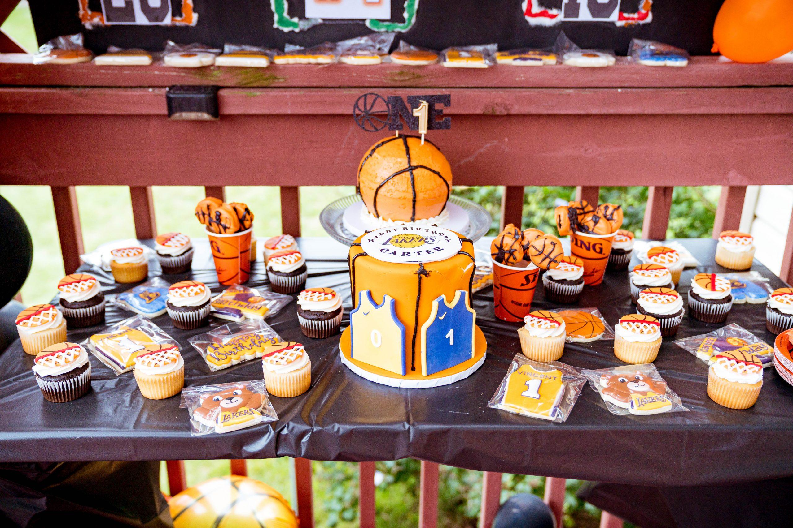 livinglesh basketball birthday party dessert table