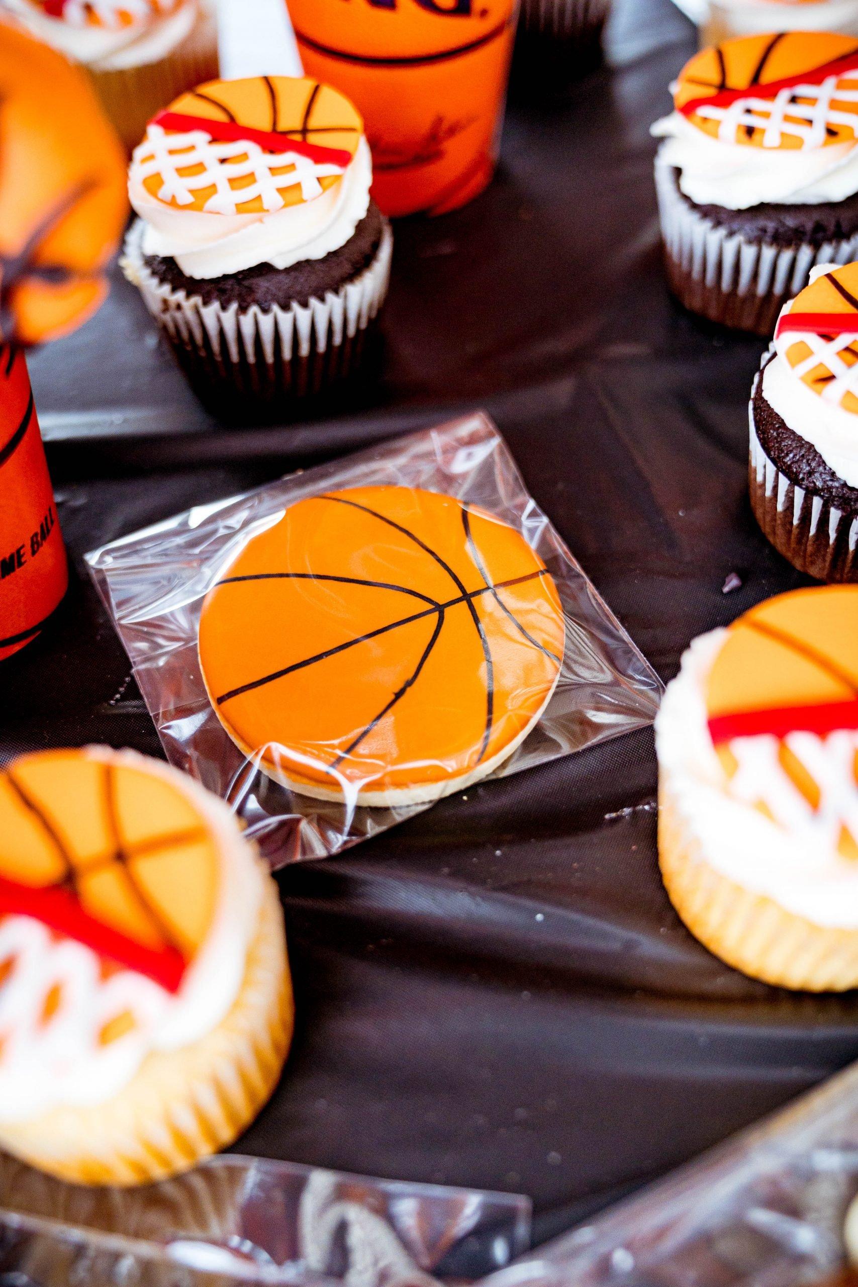 livinglesh basketball gourmet cookies