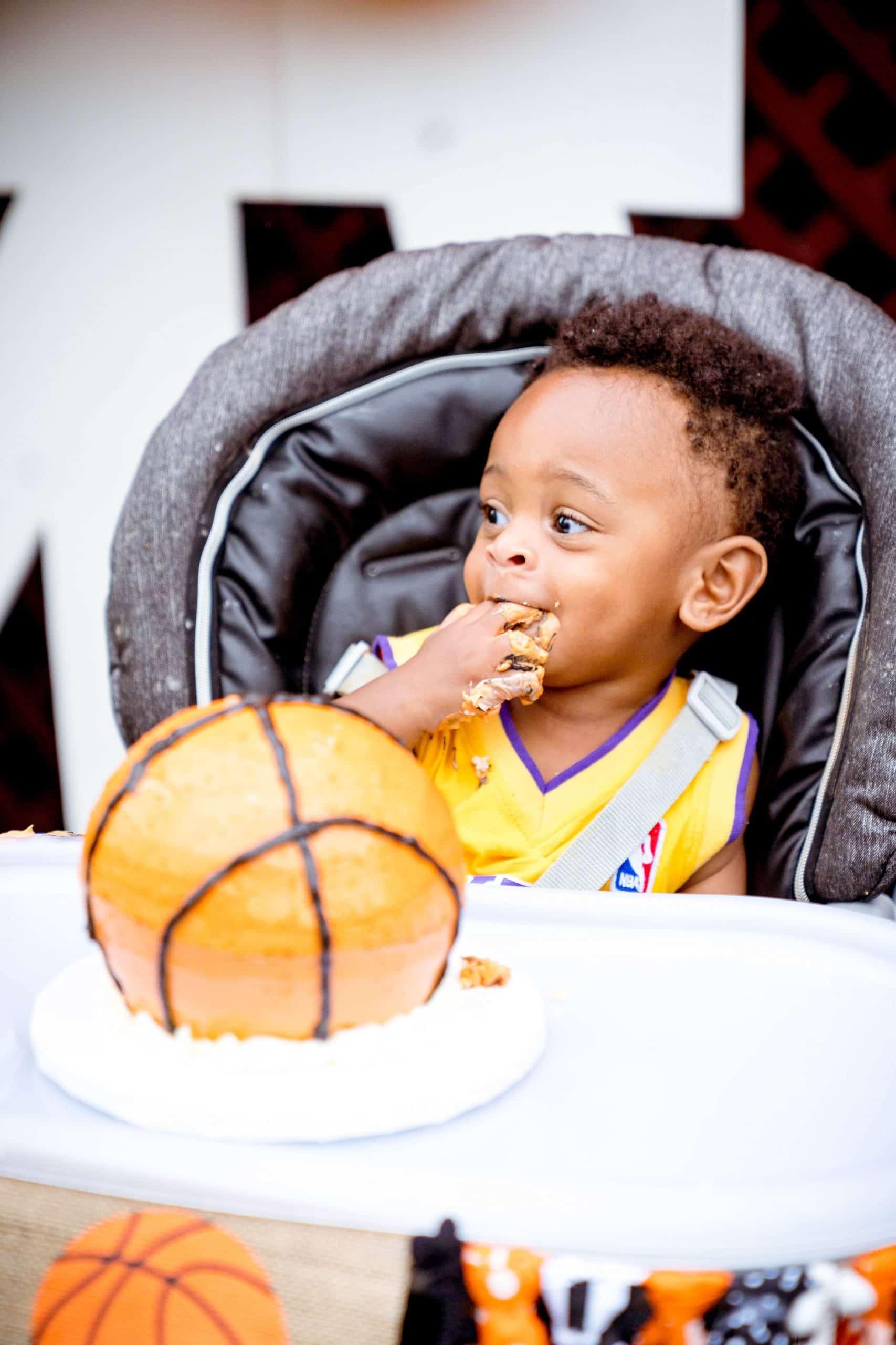 livinglesh basketball smash cake for baby