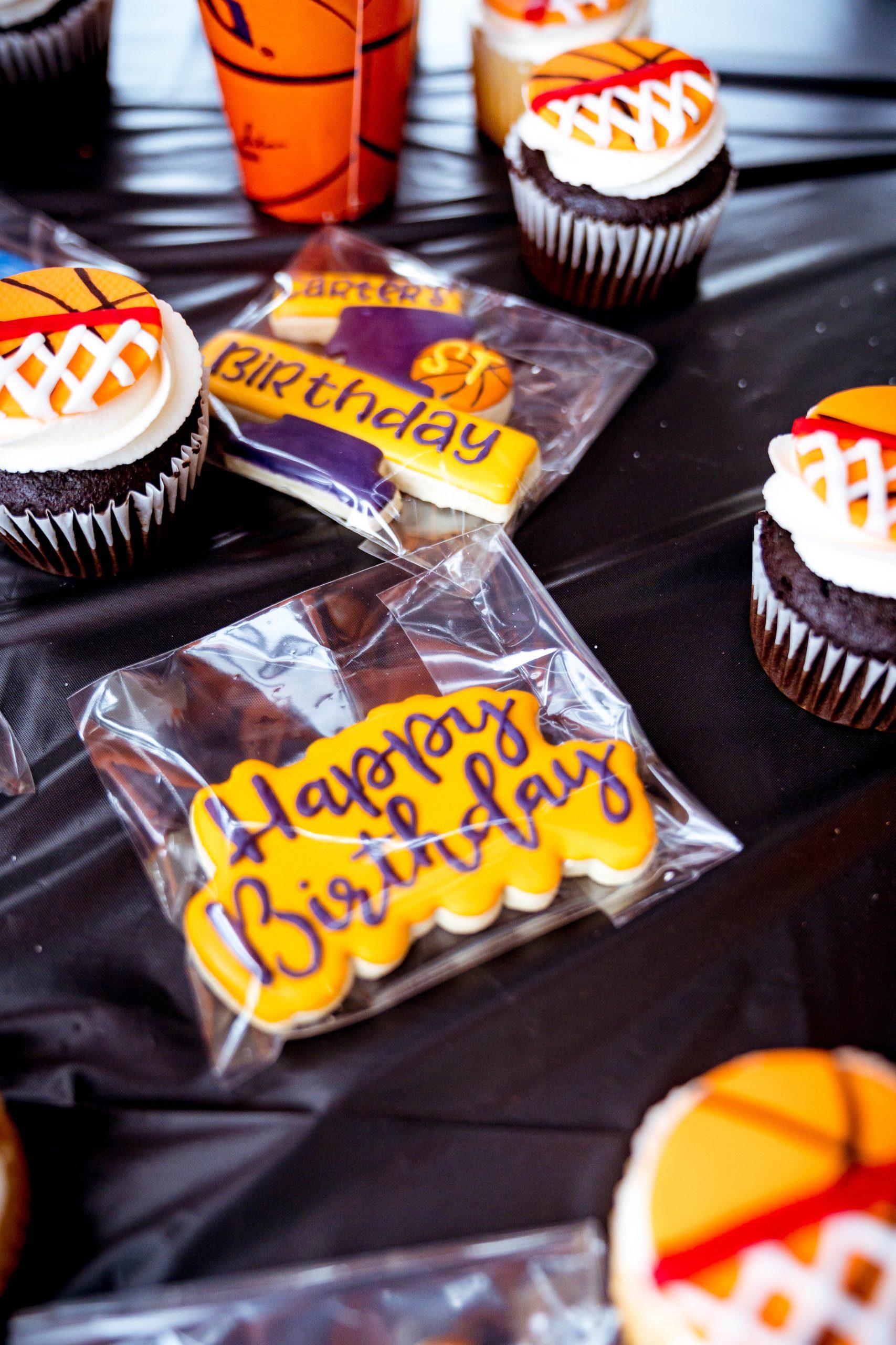 livinglesh birthday party basketball cookies
