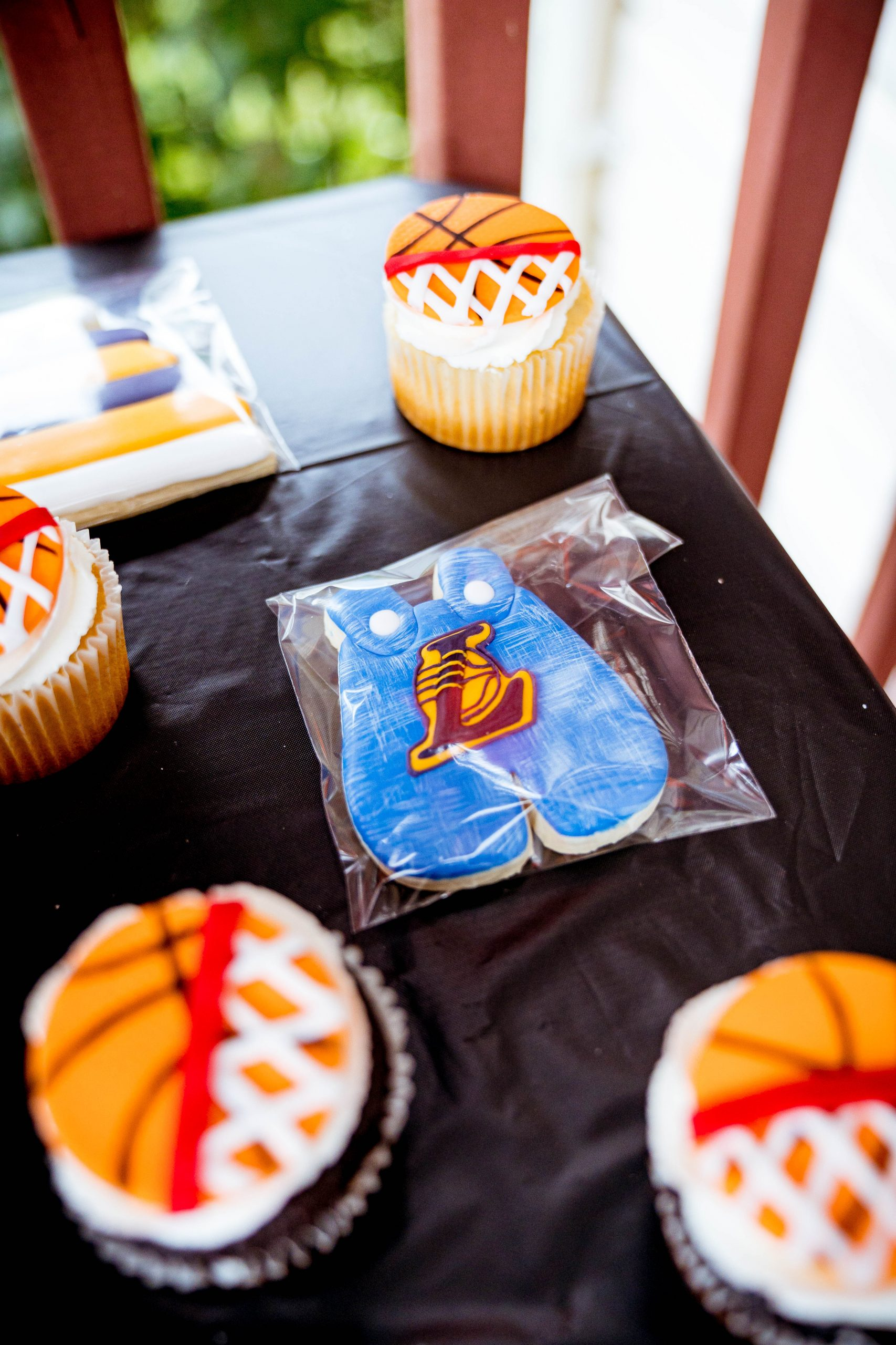 livinglesh custom cookies for first birthday party