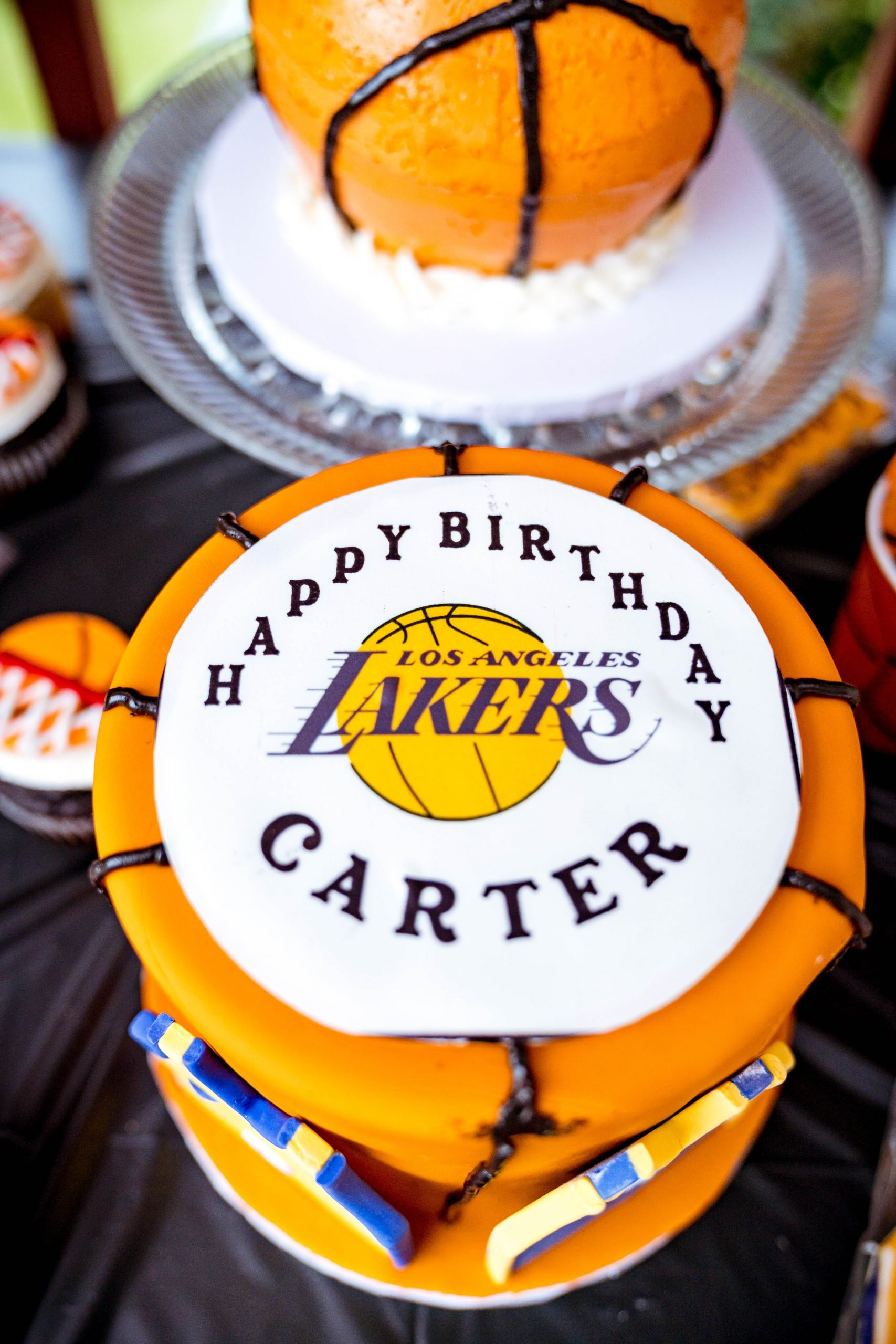 livinglesh lakers first birthday party cake