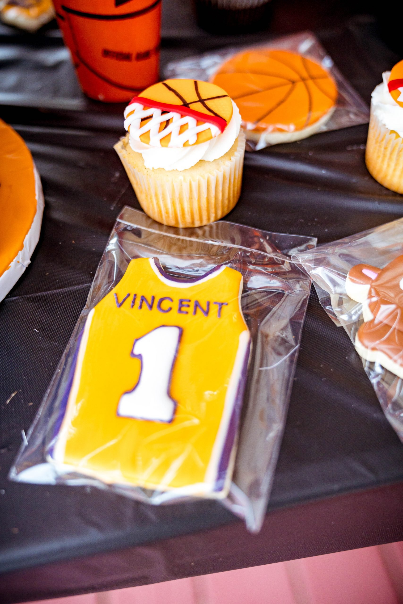 livinglesh lakers jersey cookies for basketball party