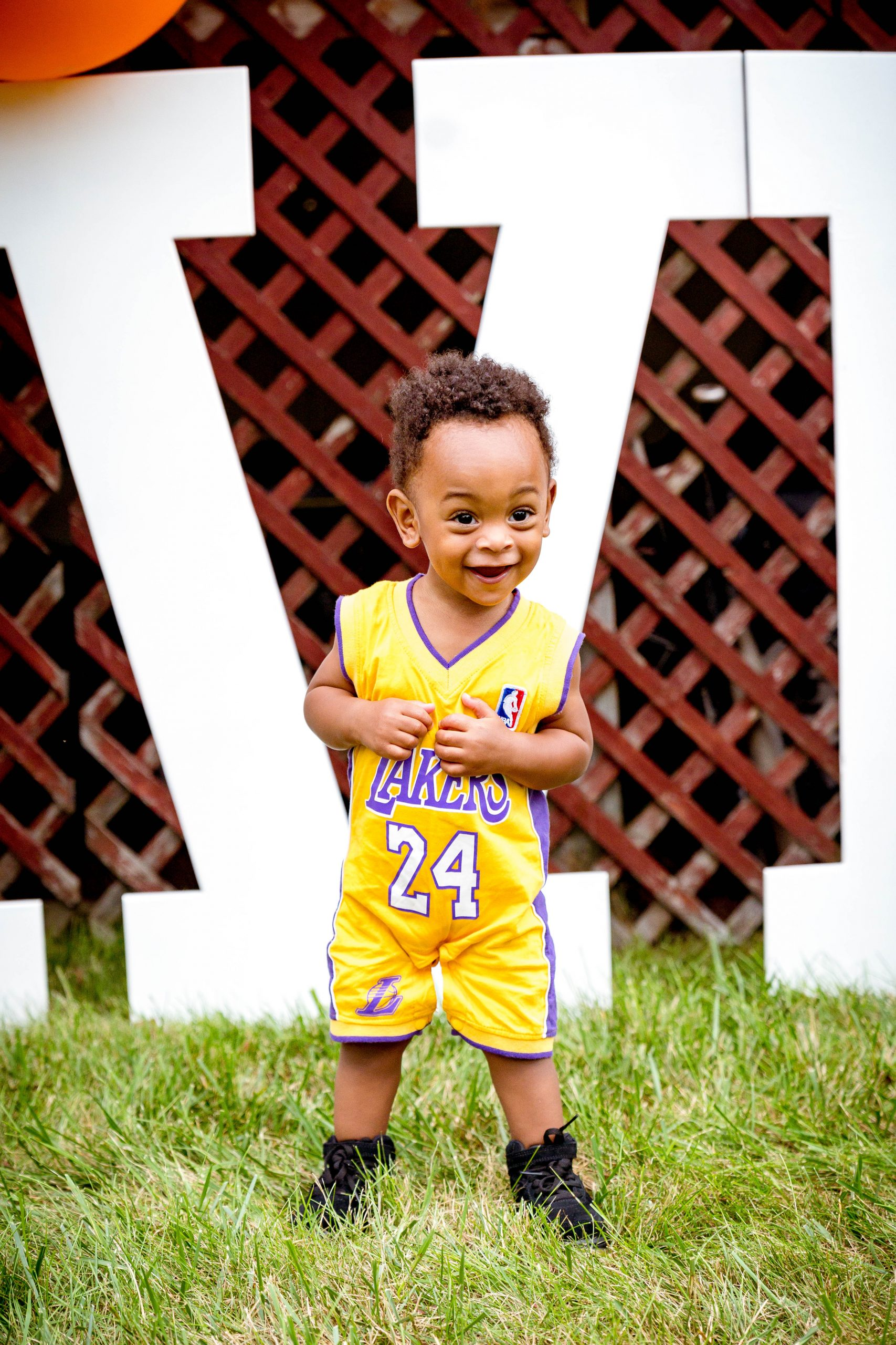 livinglesh lakers outfit baby