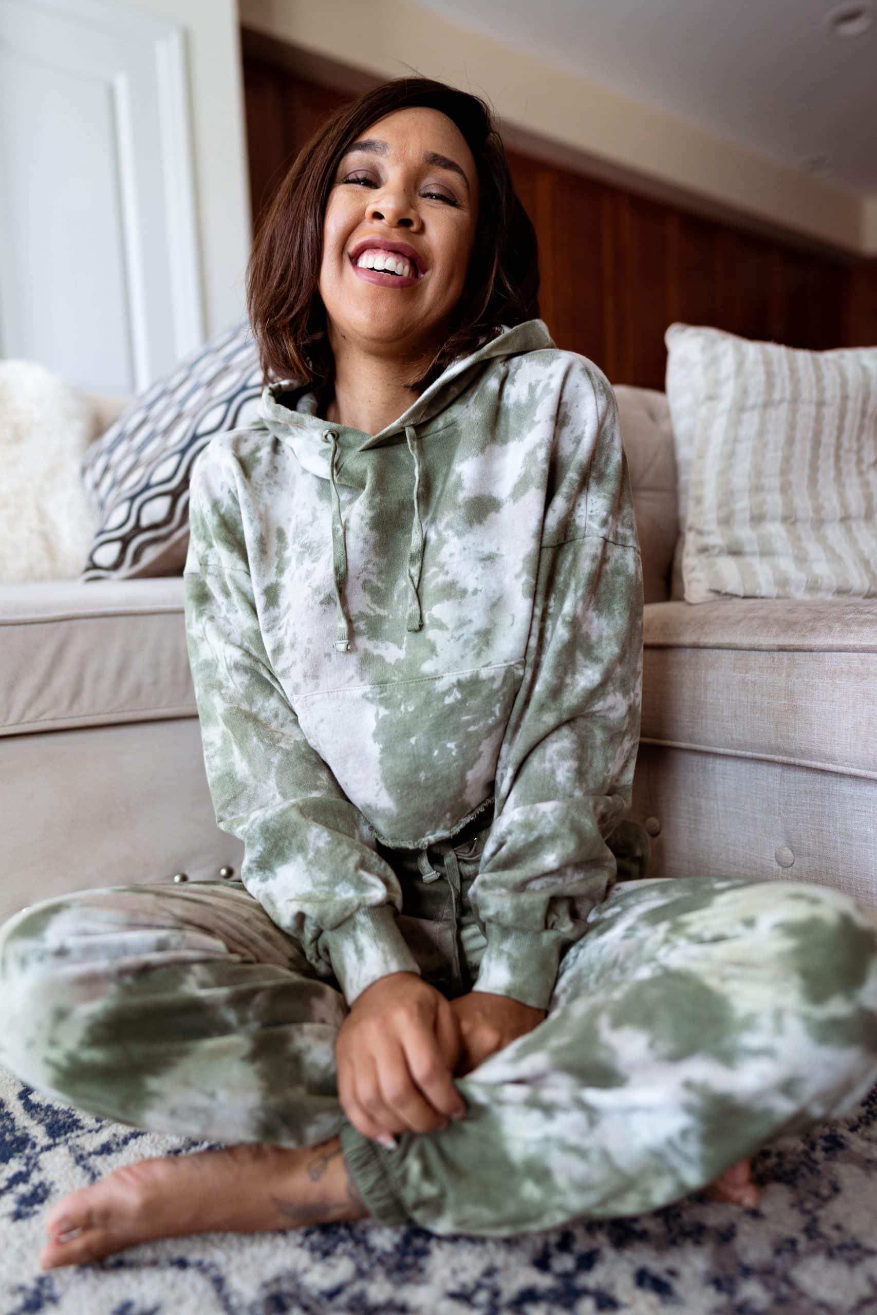 livinglesh maja cropped hoodie
