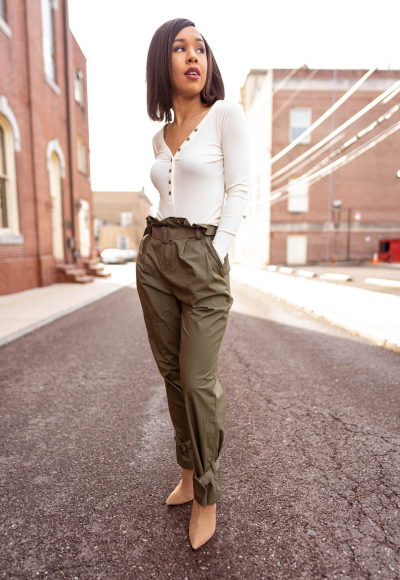 Why Utility Pants Are Great for Petite Women