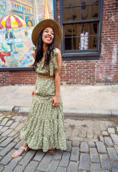 Style Hacks for Wearing Maxi Skirts as a Petite