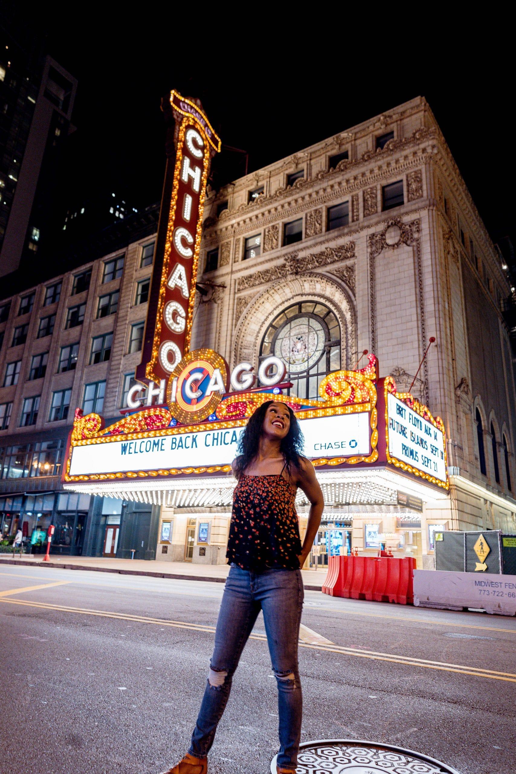 livinglesh chicago theater sign
