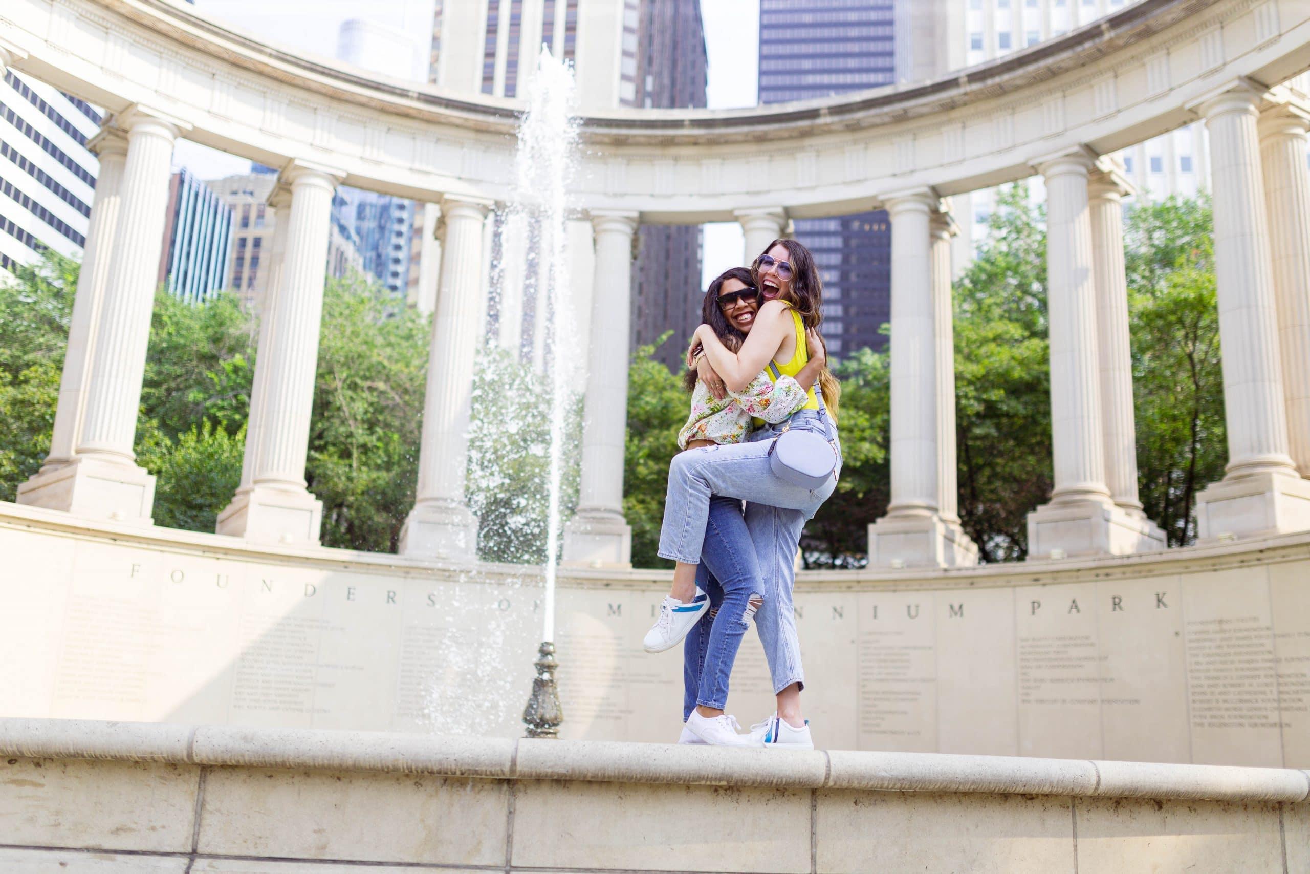 livinglesh millenium park fountain in chicago