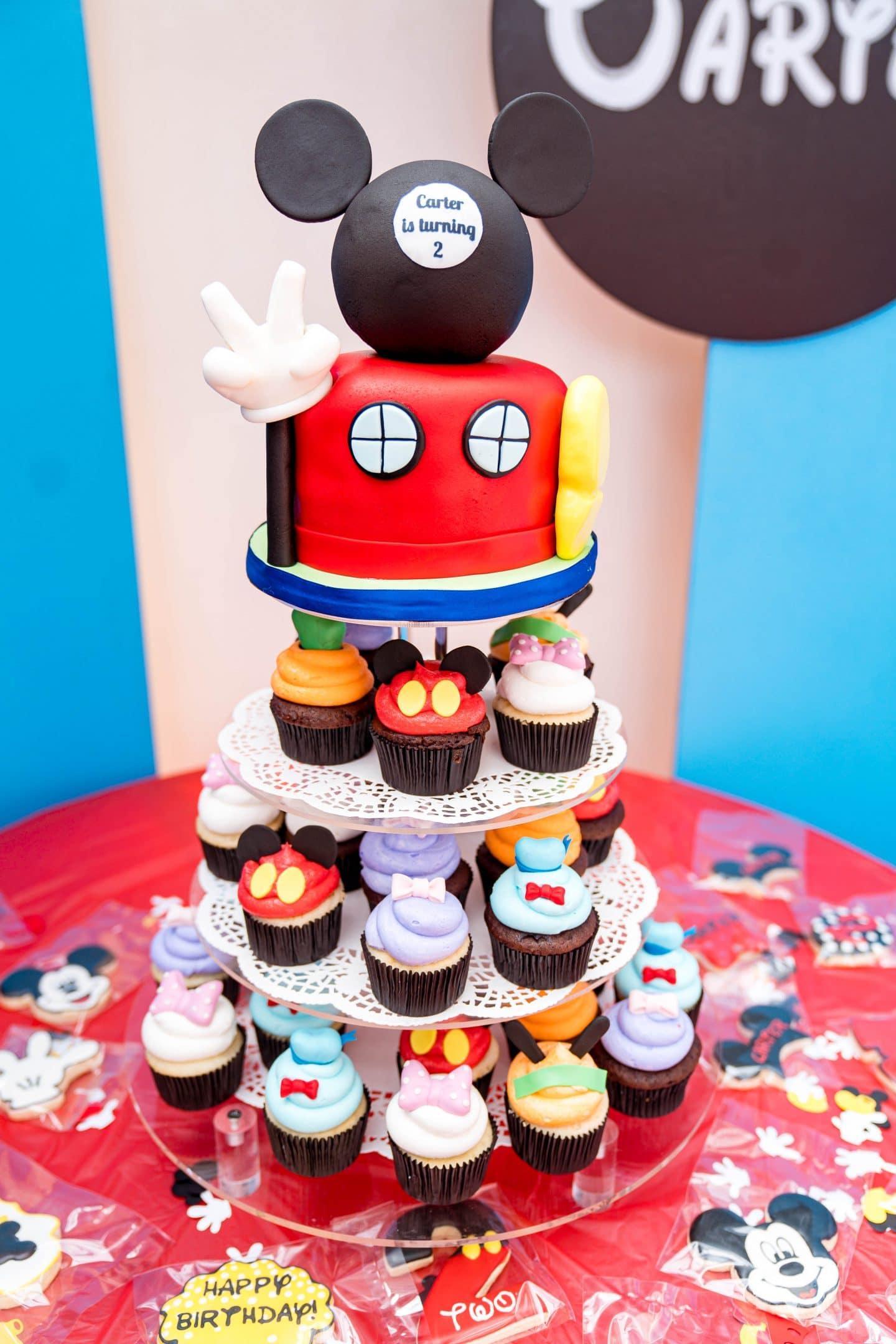livinglesh mickey cupcake tower