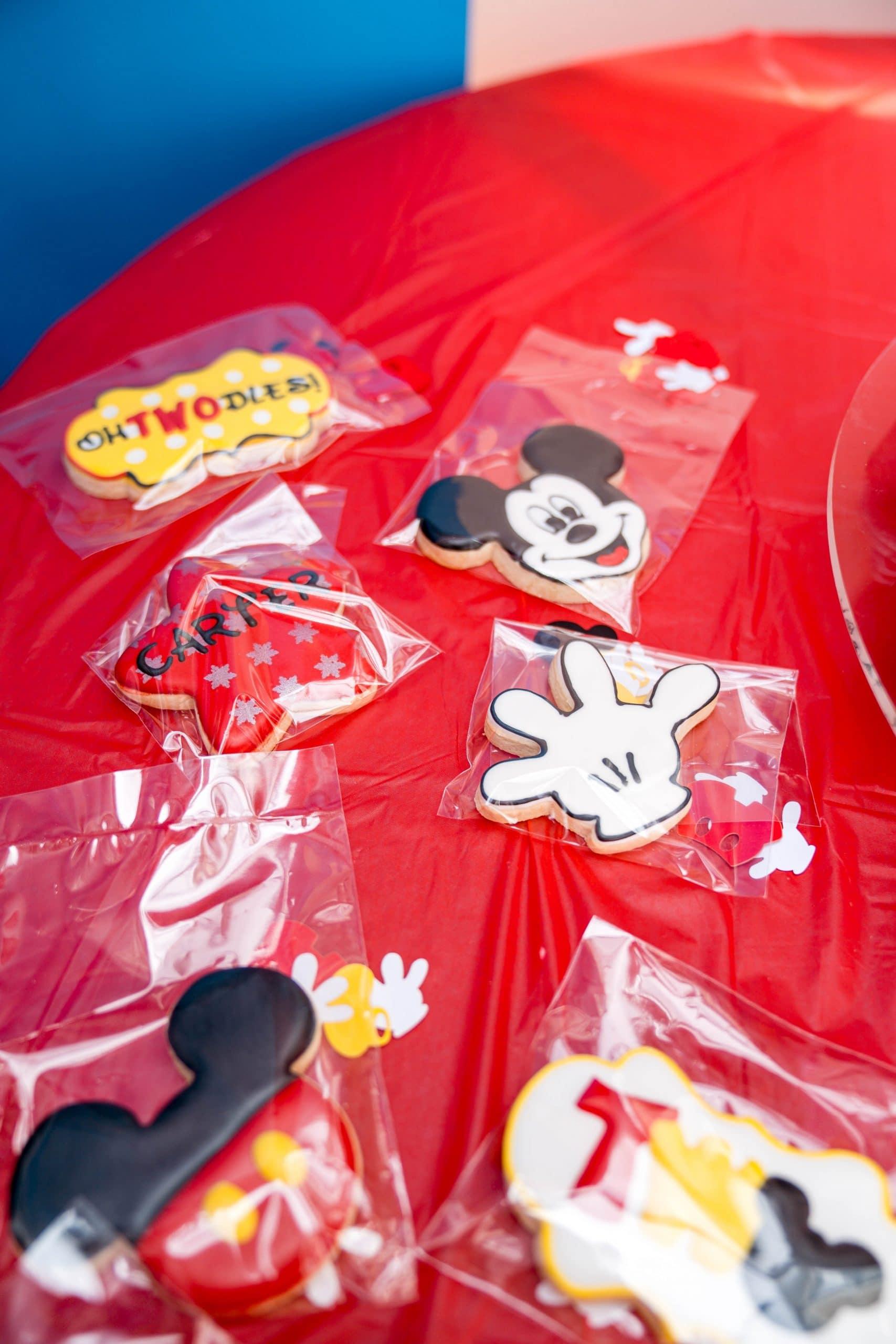 livinglesh mickey mouse birthday party custom cookies