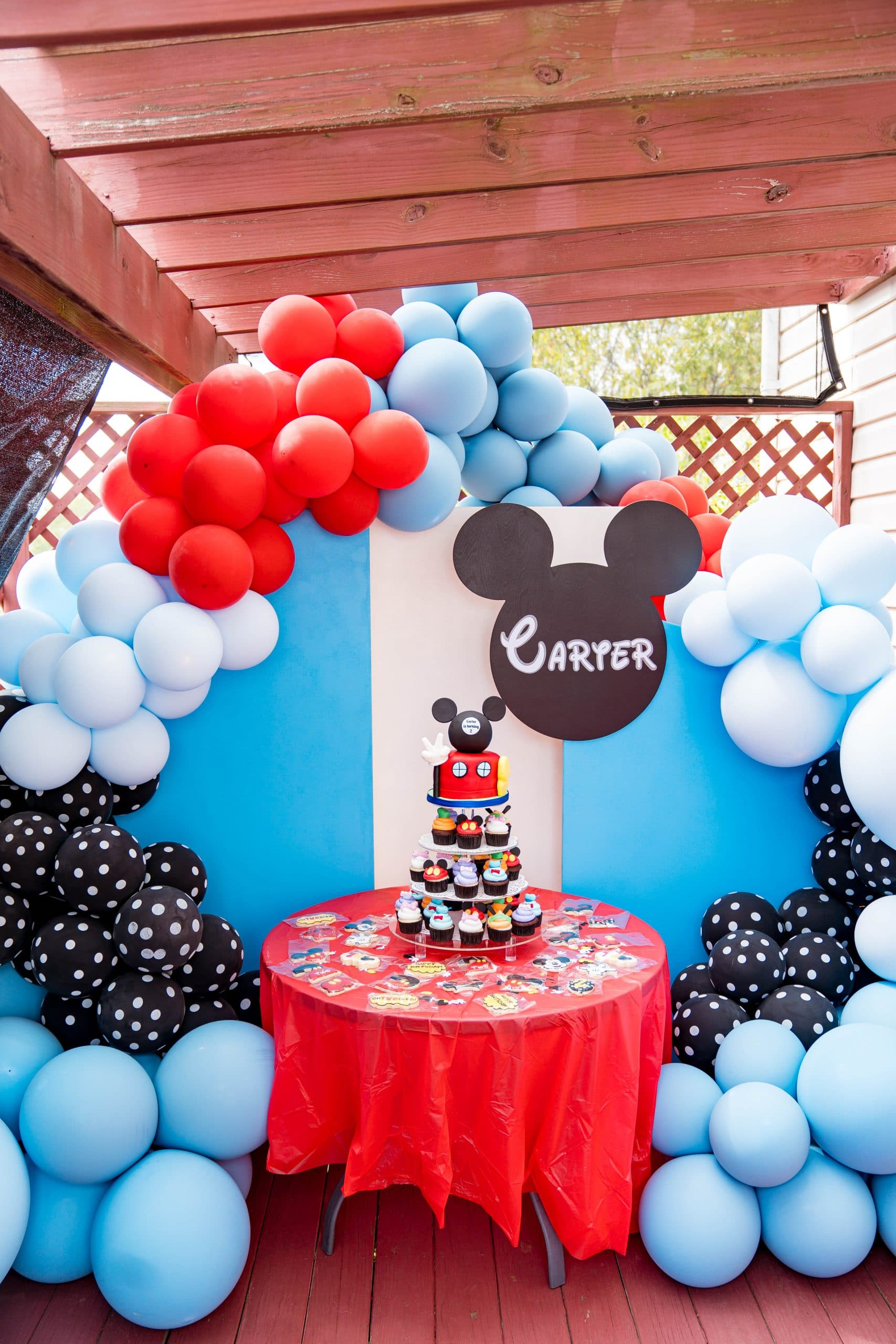 livinglesh mickey mouse clubhouse birthday party display