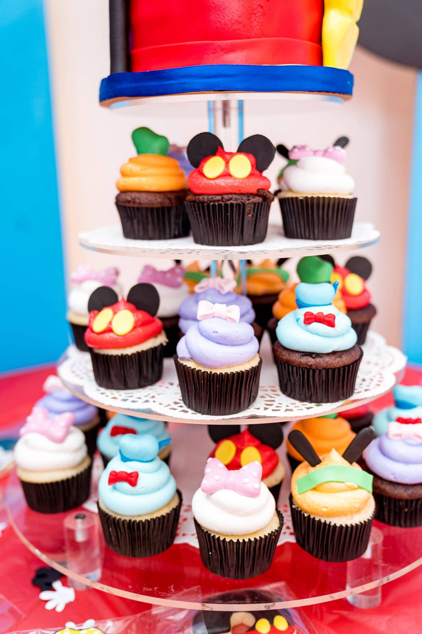 livinglesh mickey mouse clubhouse cupcakes