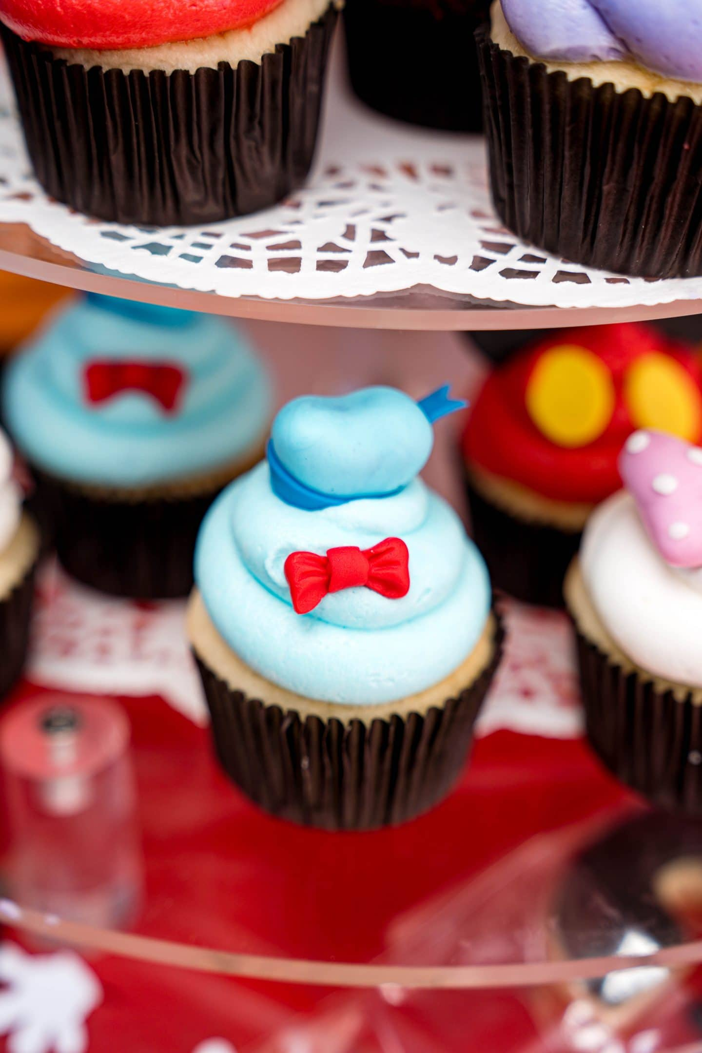 livinglesh mickey mouse clubhouse donald cupcake