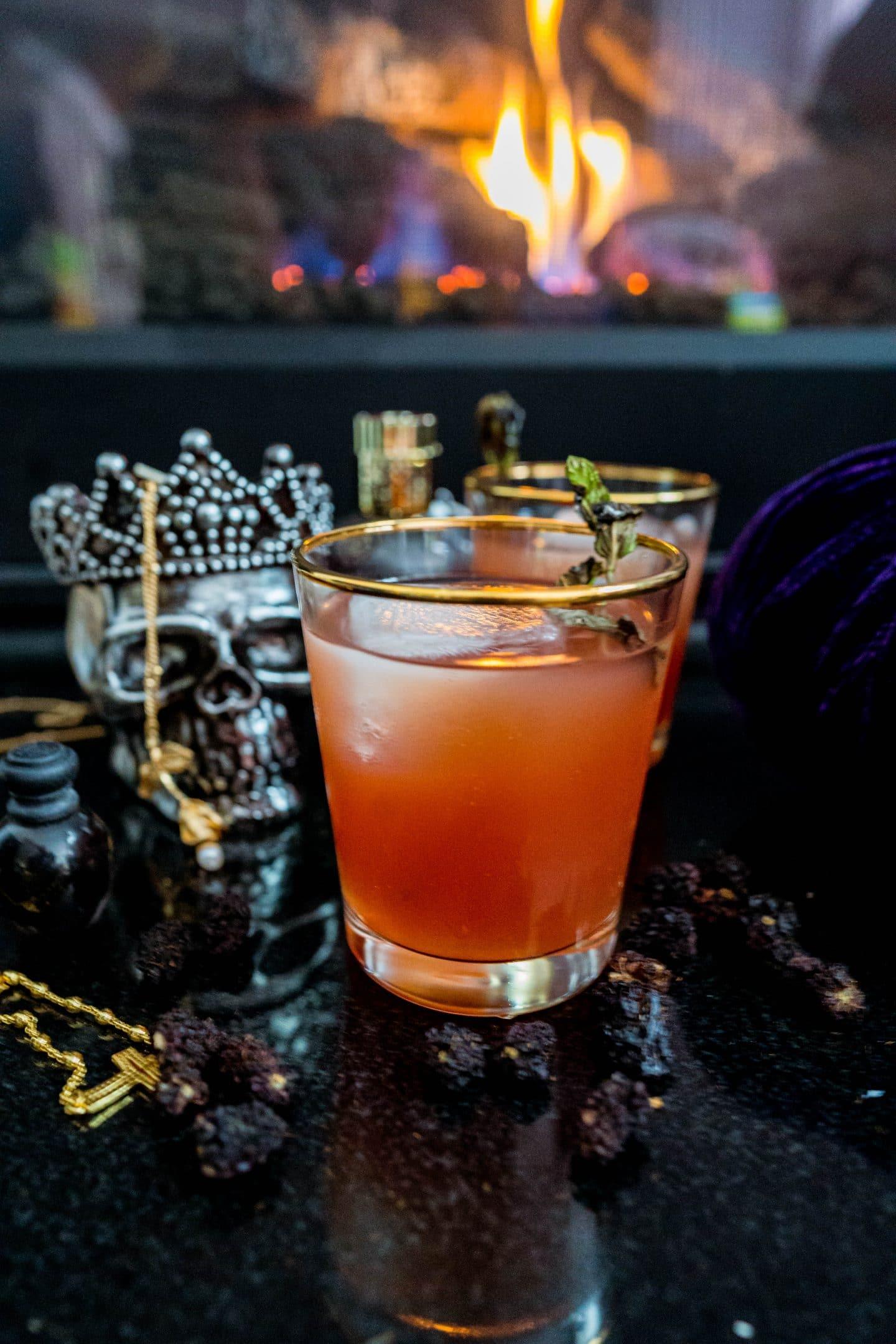 halloween cocktail livinglesh