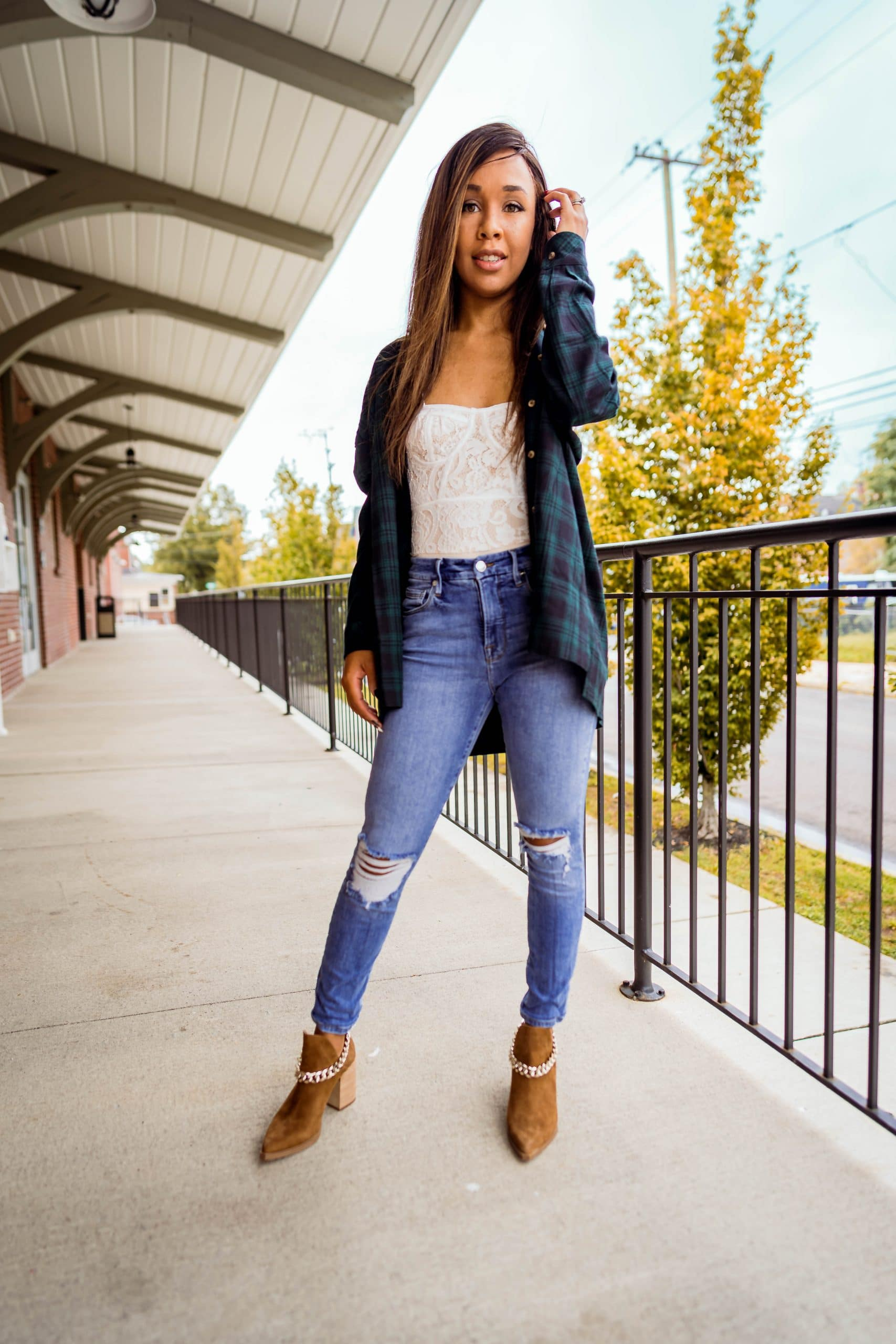 livinglesh how to style an oversized flannel