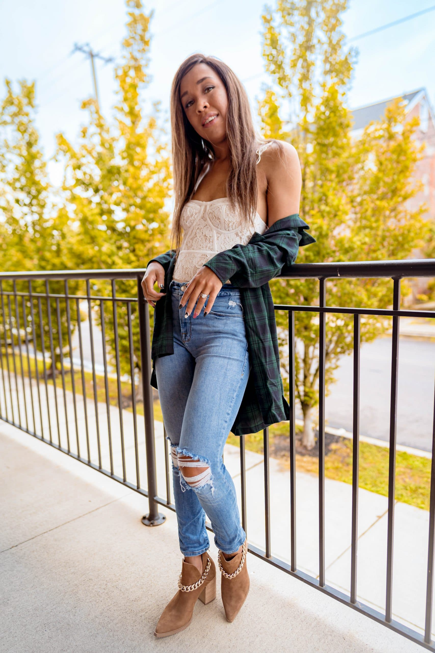 livinglesh style an oversized flannel top in the fall